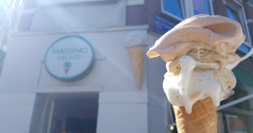 Ijs, pistache-ijs. Van Massimo Gelato. Hands down.